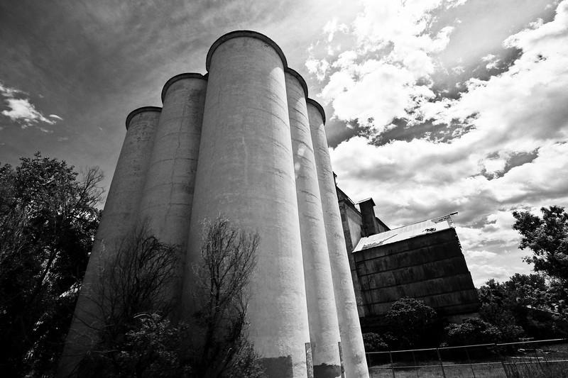 Golden West Flour Mill, 32.