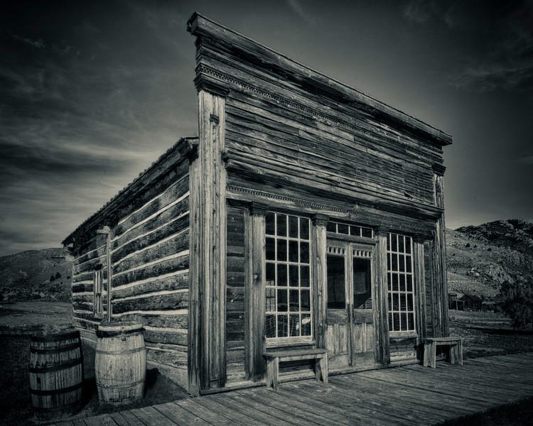 Skinner Saloon  side