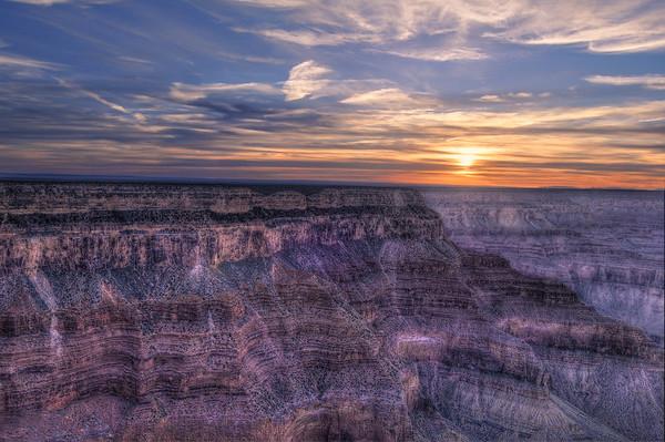 Purple cliffs of a Grand Canyon sunset