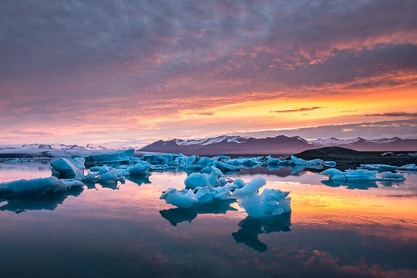 Floating Ice - Jökulsárlón, Iceland