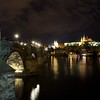 4th day: Il ponte di Carlo (Karluv most) catturato dalla riva della Moldava dalla città vecchia con vista sulla Cattedrale di San Vito. No PP at all  Praha