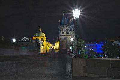 4th day: simpatico tentativo di catturare fantasmi sul ponte di Carlo  Praha