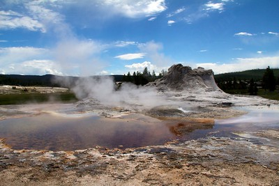 Crested pool and Castle geyser