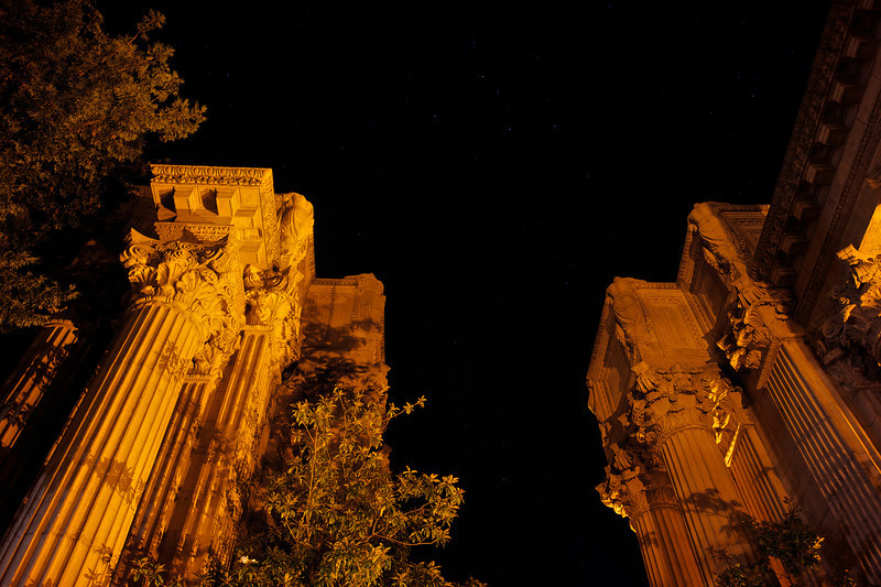 Stars over the Palace of Fine Arts<br /> ref: 04e21589-44f8-40be-a025-e9a5029050ac