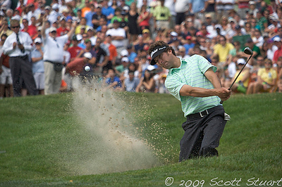 07-06-2009:  Michael Letzig chips out of the sand on 14