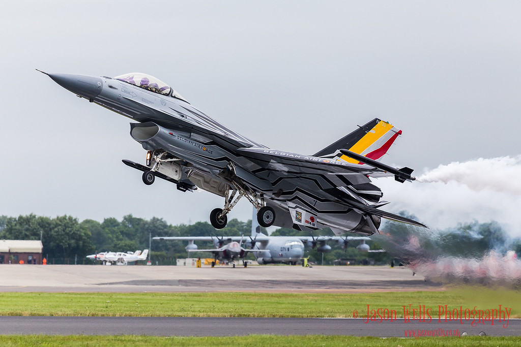 Belgian Air Component F-16AM Fighting Falcon after a bump & go.