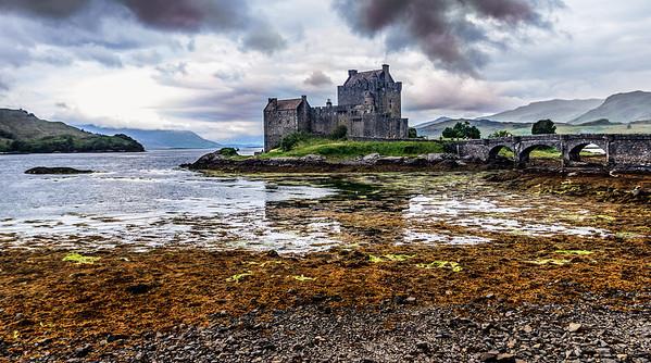 Ouwe foto (2007) nieuwe edit, Eilean Donan, Schotland.