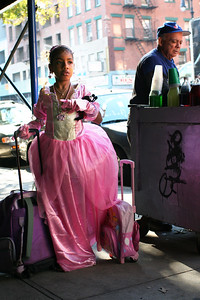 Princess and Piragua Vendor