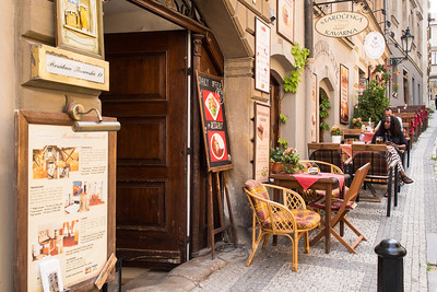 Sidewalk restaurants, Prague