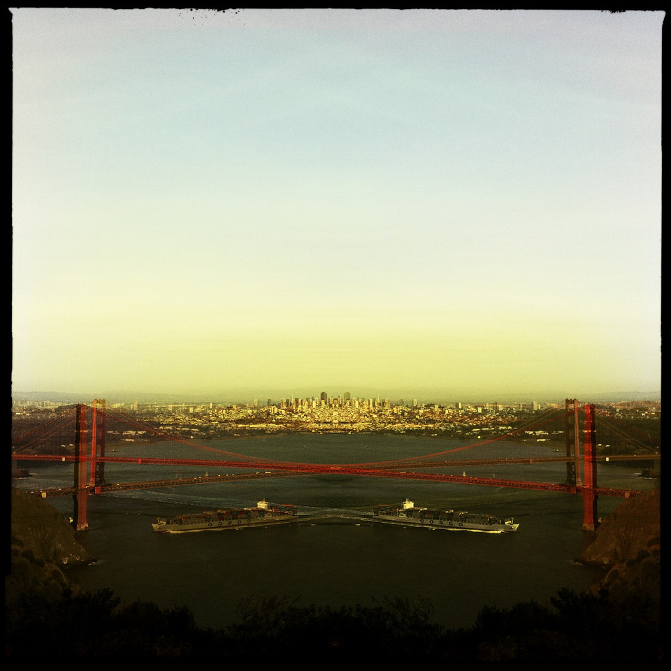 Golden Gate Bridge, Hipstamatic-style