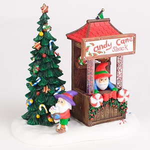 Department 56 North Pole Figurines