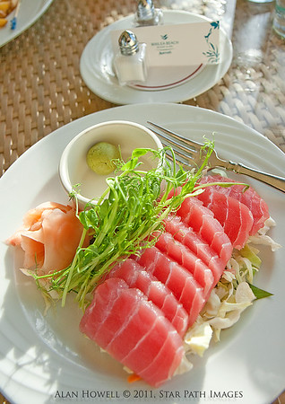 Fresh tuna with ginger and cabbage, with wasabi. WASABI!!!!  Fresh from the Wailea Beach Marriot room service..mmmm mmm!