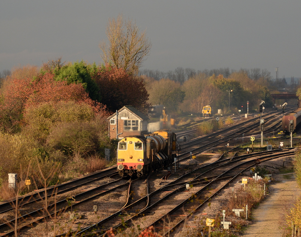 20312 and 20305, Milford Junction. 14/11/14.