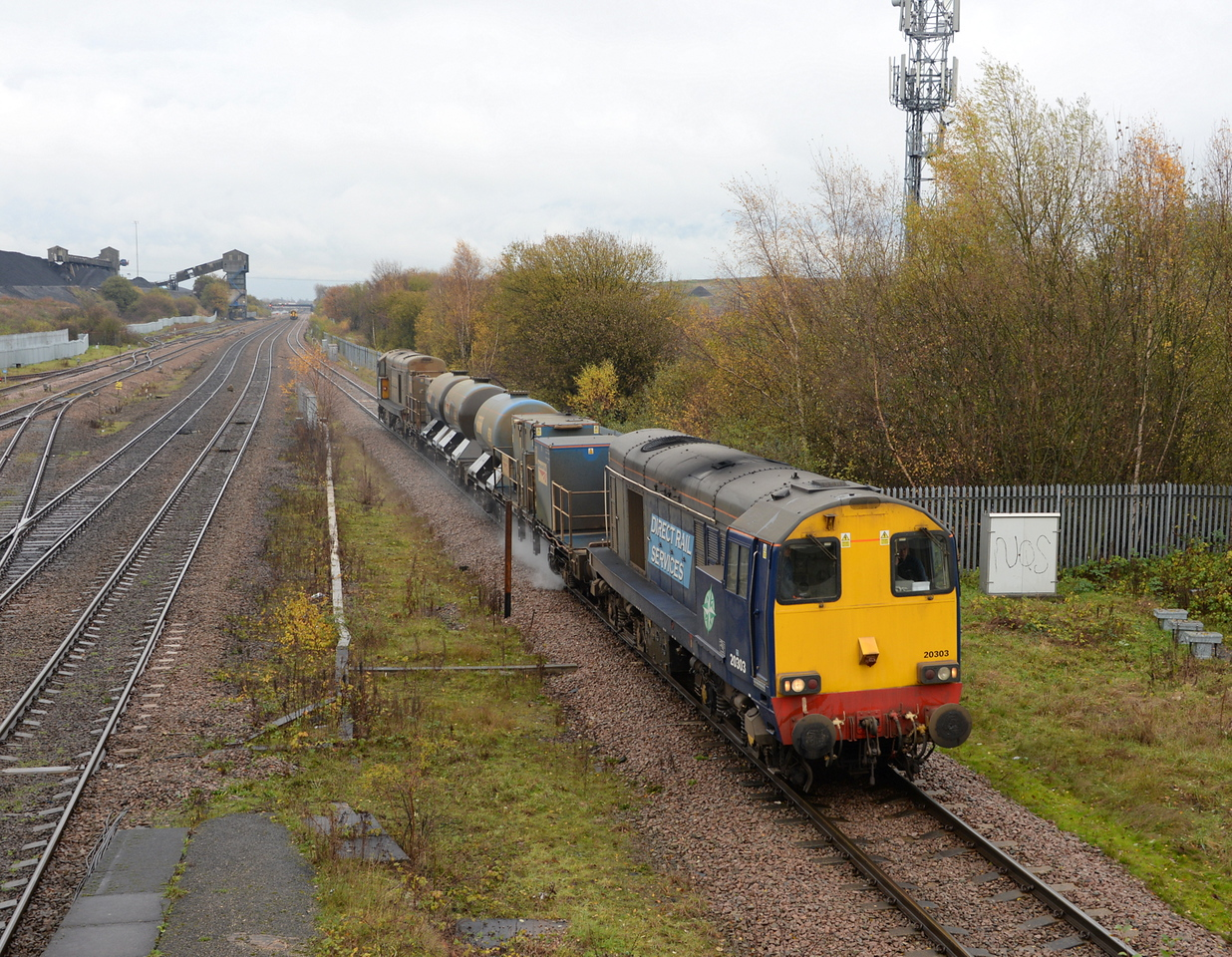 20303 and 20304, Hatfield & Stainforth. 14/11/14.