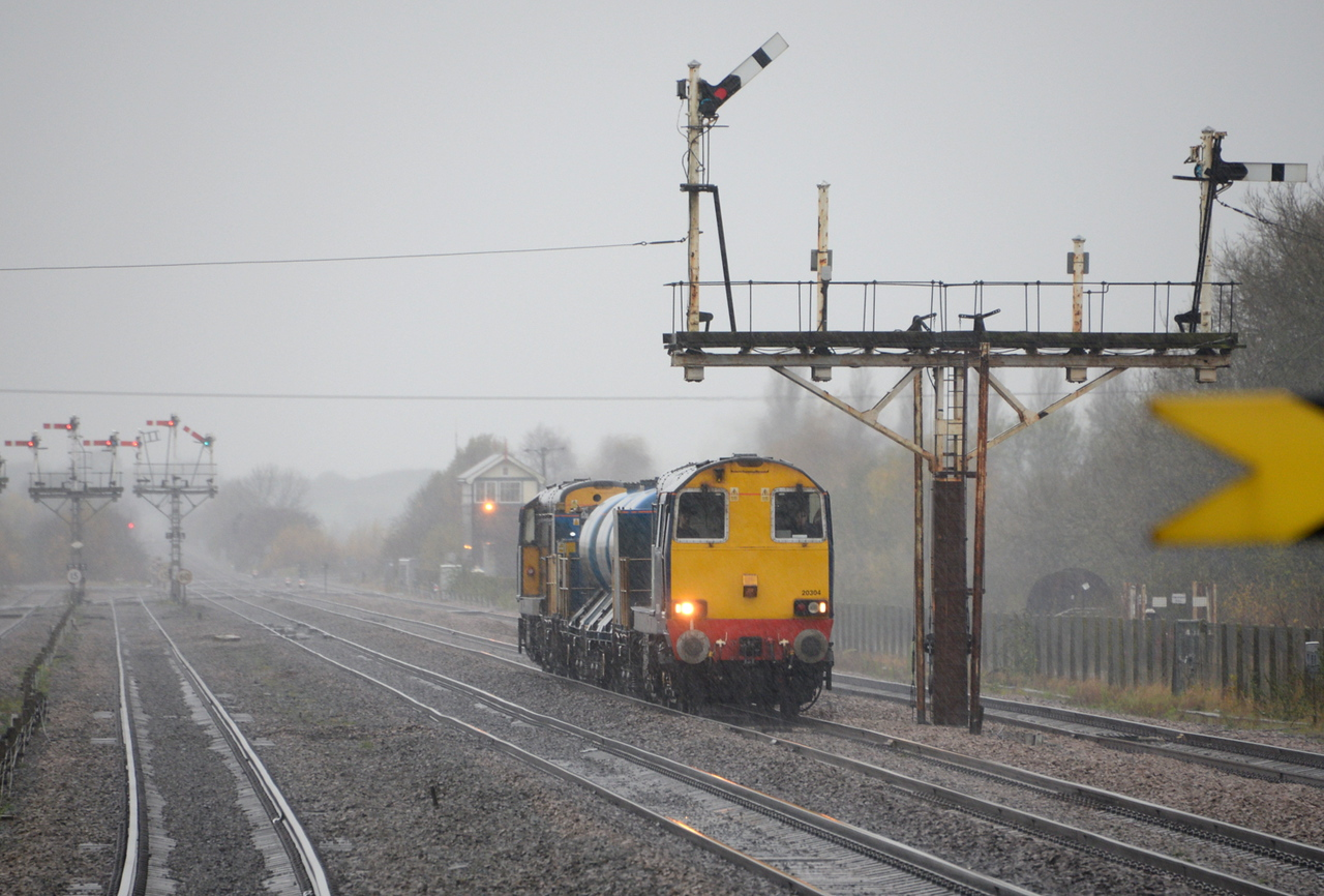 20304 and 20303, Wrawby Junction. 14/11/14.