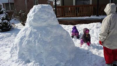 @zipkicker on Twitter sent us this photo of a very large snowman on Fairlawn Avenue.