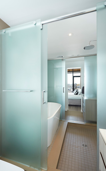 Bath-1_s