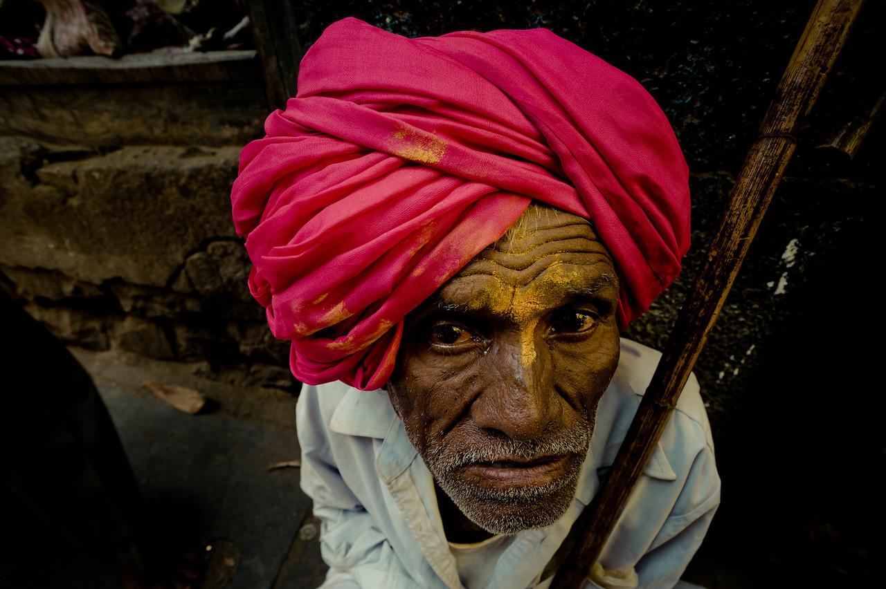 India. 2011. The mendicanet.