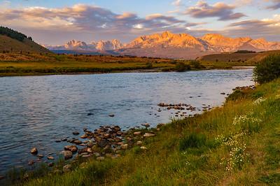 Salmon River and Sawtooth Mountain, Stanley, Idaho