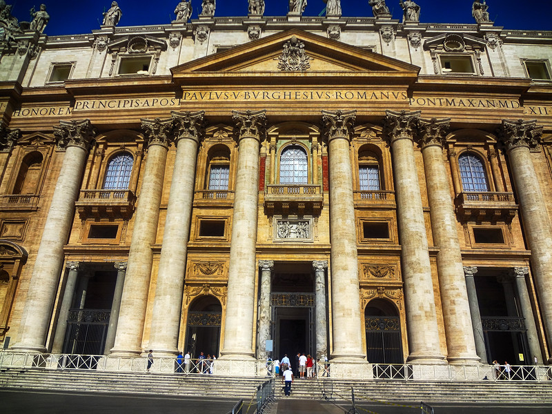 Enjoying Roman Architecture in Rome Italy