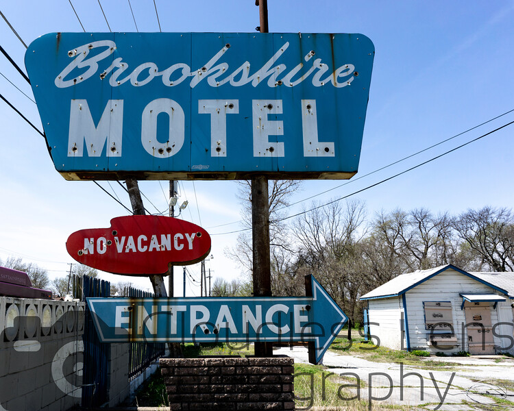 Brookshire Motel Sign