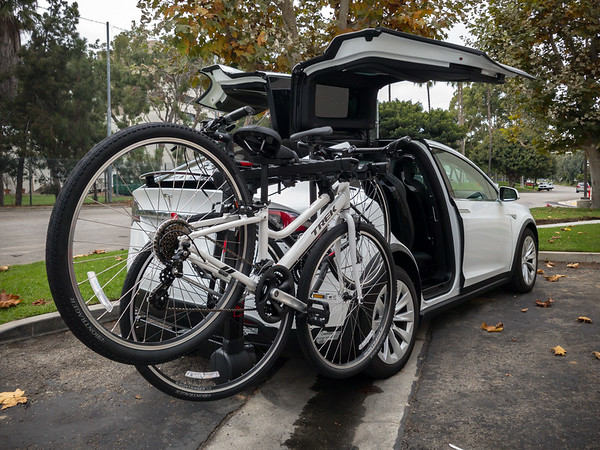 As for the rack, we opted for the Yakima Fullswing so we would have easy access to the trunk while the rack is fully loaded