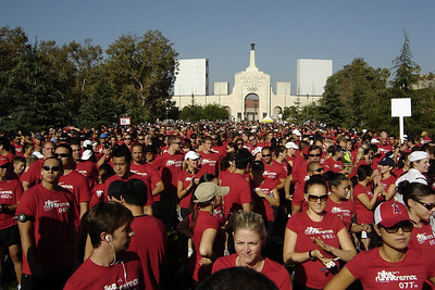 Nearly 11,000 participants have filled the starting area and look ready to run