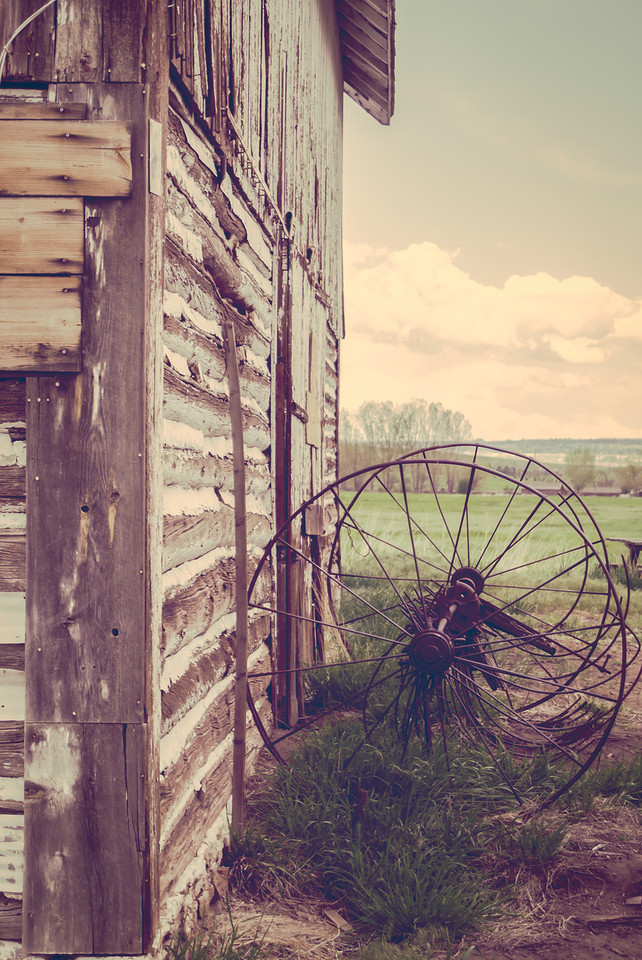 Vinatge Barn and Wheel