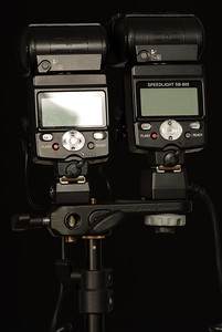 Twin pack SB-800 for more power and recycle time. First SB-800 on right is the master with a SC-29 cable attached to the camera, the second one may be fired automatically via CLS or in Manual SU-4 mode via a single PC-PC cable as illustrated above.