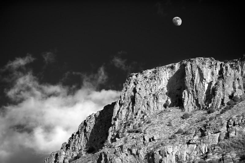 Sabino Moonrise