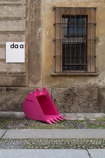 "Spazio ""da a"" with Denis Santachiara"