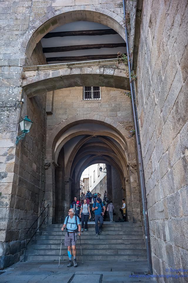 IMAGE: https://photos.smugmug.com/Photography/San-Sebastian-and-Santiago-Compostela/i-hDPBwFM/0/3c89ab74/X2/L1005946-X2.jpg