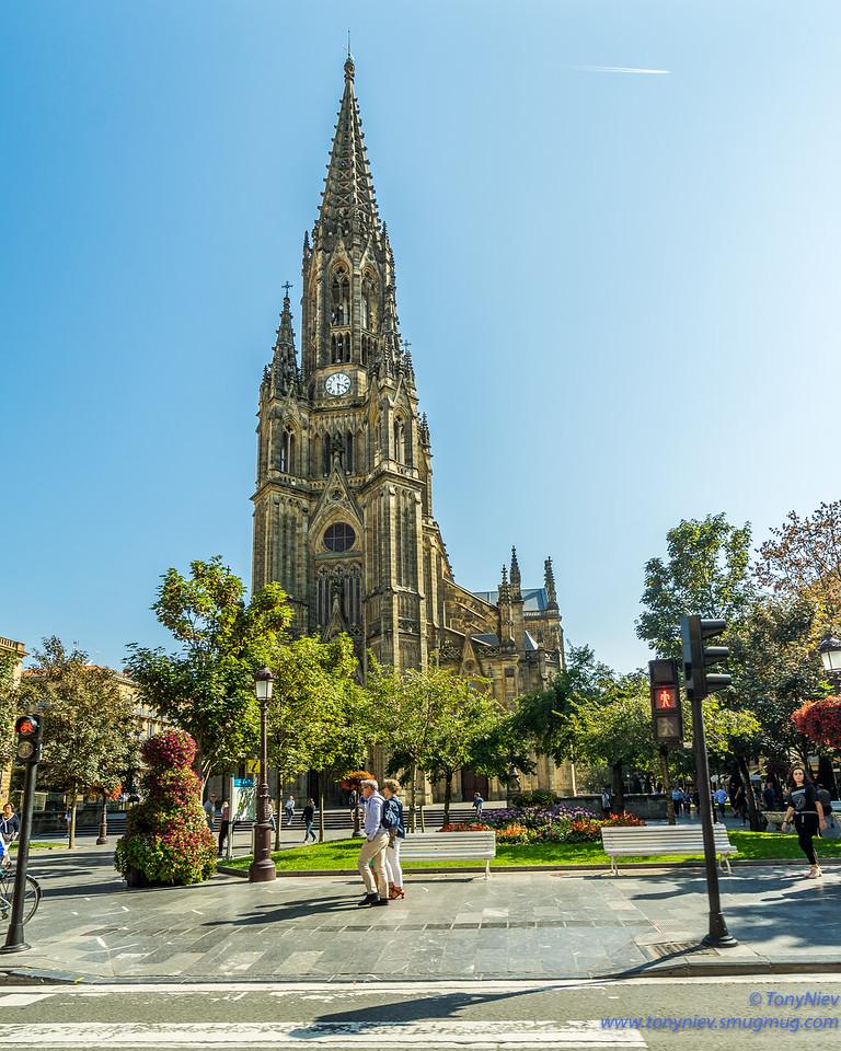 IMAGE: https://photos.smugmug.com/Photography/San-Sebastian-and-Santiago-Compostela/i-wFWLF9s/0/12f29cf6/X2/DSC07336-X2.jpg