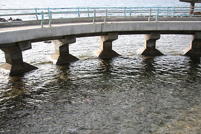 Rea Sea beneath walkway - Jeddah
