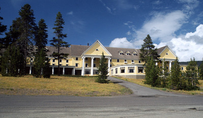 Nobody, North America, USA, Wyoming,Front Entrance and Grounds, Lake Hotel, Yellowstone National Park