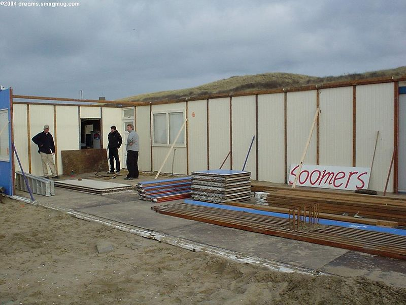"My favorite <a href=""http://www.strandtentsoomers.nl/"">beach club Soomers</a> not even half way"