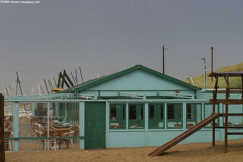 "Summer 2004, not so good so far. This is a beach club next to ""<a href=""http://www.ganaarbuiten.nl/"">Buiten</a>"""
