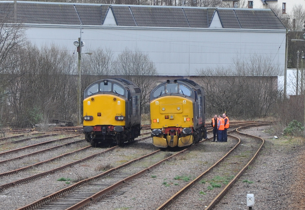 37688 and 37059, Fort William yard. 21/03/12.