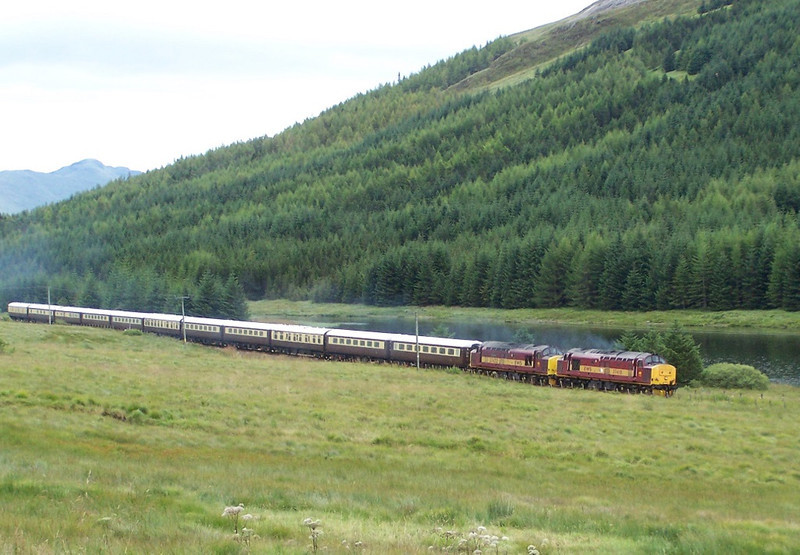 37410 and 37422 between Tyndrum and Dalmally. August 2007.