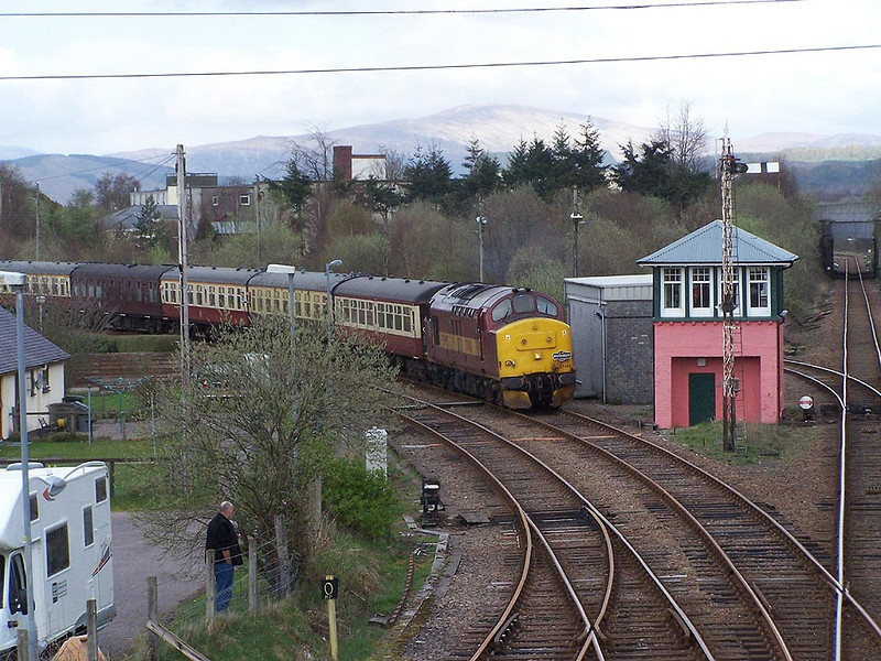 37401, Fort William. April 2009.