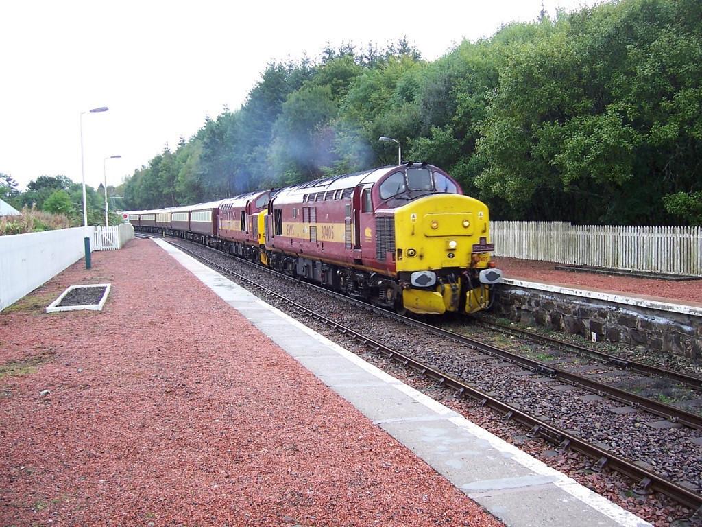 37405 and 37417, Dalmally. September 2006