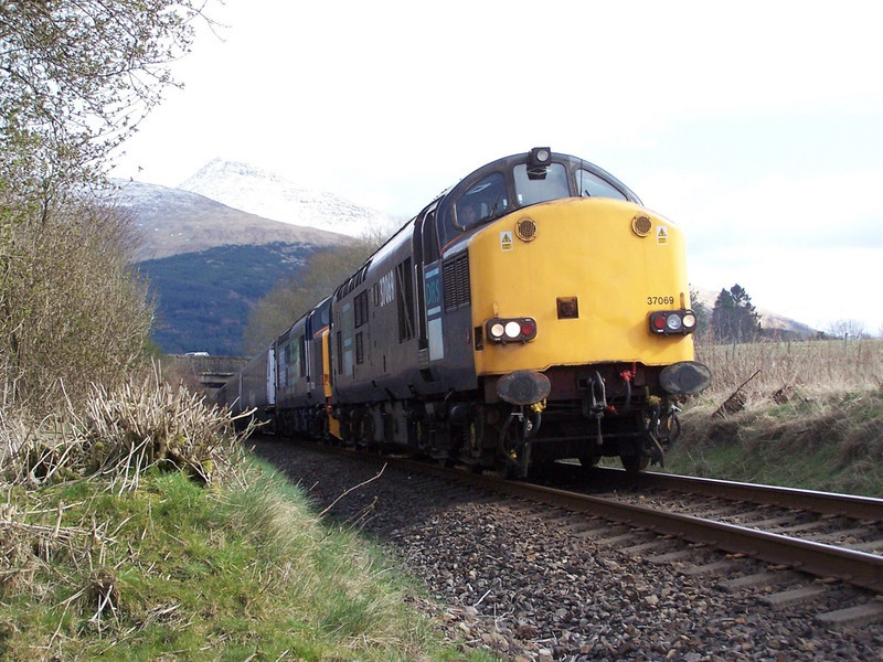 37069 and 37423, Taynuilt. March 2008.