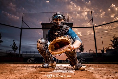 082618 Gage Juhlin Creative Olsen Senior Photographer
