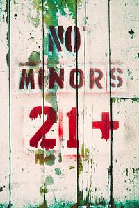 NO MINORS 21+