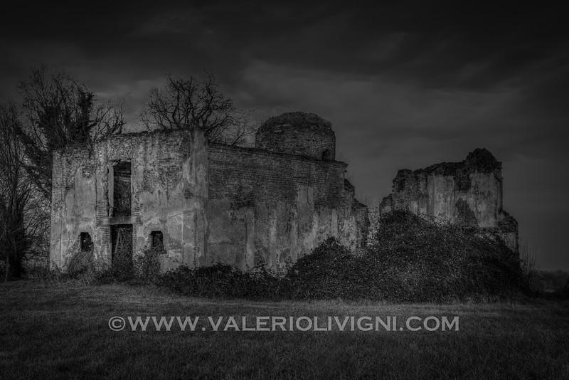Church of San Vittore's ruins. Sforzesca