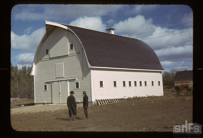 Irvin Bell's fine modern barn. Kerrobert. 09/23/1942
