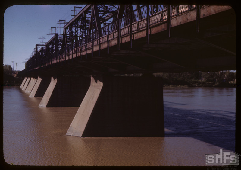 Bridge crossing North Sask. River. Prince Albert<br />  06/19/1946