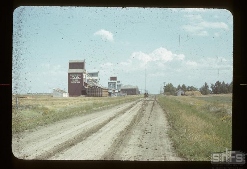 Hazenmore elevator row. Hazenmore.  08/26/1942