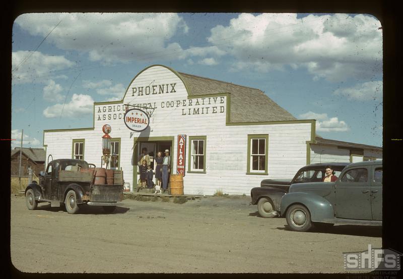 Phoenix Co-op store. Clarkboro. 08/28/1942