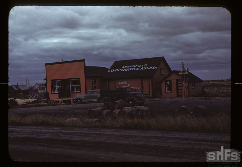 Arborfield Co-op; flour - feed - groceries. Arborfield. 10/07/1942